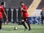 Com Paulistão na metade, Bernardo segue reserva; técnico pede paciência