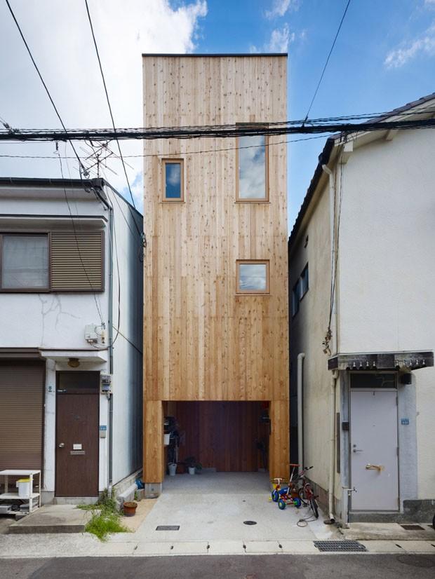 Uma casa com 2,5 metros de largura e espaços bem organizados (Foto: divulgação)