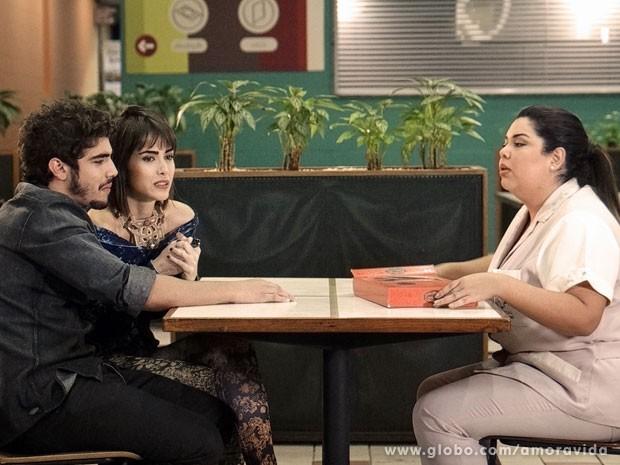 Perséfone detesta a ideia (Foto: Amor à Vida/ TV Globo)