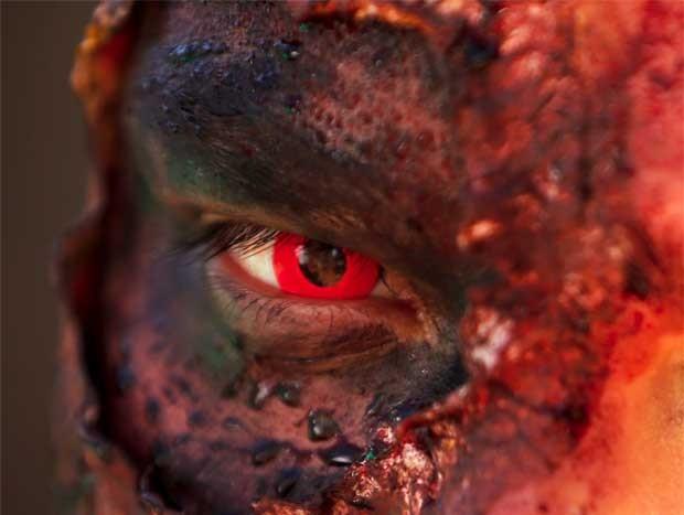 Homem vestido de zumbi apoiou a ação promocional da candidatura de A. Zombie,  (Foto: Reuters)