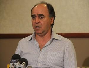 Marcelo Oliveira concede entrevista coletiva para se despedir do Coritiba (Foto: Gabriel Hamilko / GloboEsporte.com)