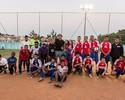 Após treino, Lugano visita crianças do projeto Aldeias Infantis e joga futebol