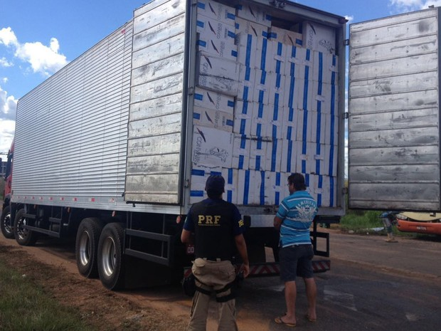 Carga vinha da cidade paulista de Marília e tinha como destino final Belém, no Pará (Foto: Divulgação/Polícia Rodoviária Federal)