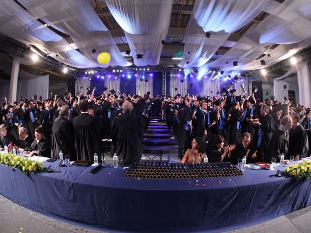 Colação de grau dos formandos da Poli-USP incluiu jantar de gala após a cerimônia (Foto: Divulgação/ÁS Formaturas – Enjoy/Julio Fugimoto)