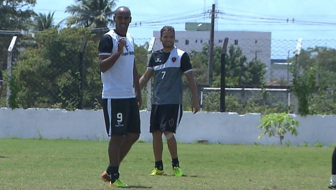 Beto, atacante do Botafogo-PB (Foto: Reprodução / TV Cabo Branco)