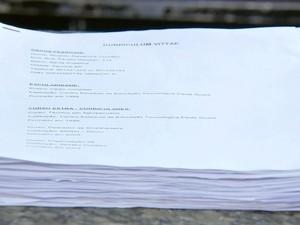 Currículos de papel não são mais tão usados (Foto: Reprodução / TV TEM)