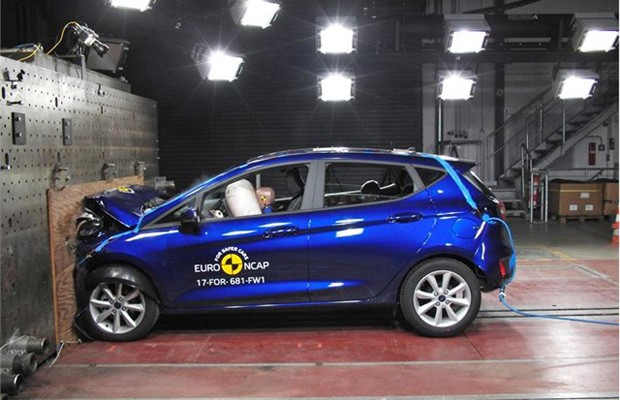 Ford Fiesta de nova geração recebeu cinco estrelas no Euro NCAP (Foto: Divulgação)