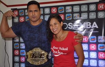Amanda Nunes celebra cinturão em show do Harmonia em Salvador