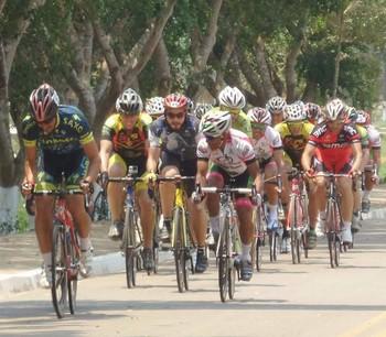 6ª etapa do Campeonato Acreano de Ciclismo, na Ufac (Foto: Federação Acreana de Ciclismo/Divulgação)