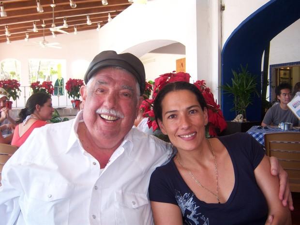Rubén Aguirre com a filha Consuelo (Foto: Reprodução/Facebook)