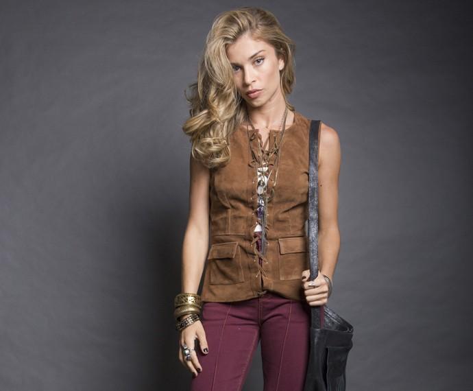 Franjas, couros e cintos fazem parte do look de Larissa (Foto: Beto Roma/ TV Globo)