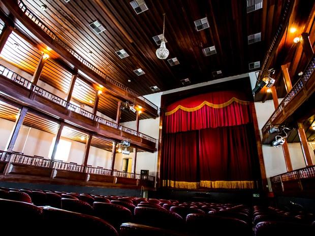 Teatro conta com térreno, 1º,  2º andar e 3ºandar (Foto: Jonathan Lins/G1)