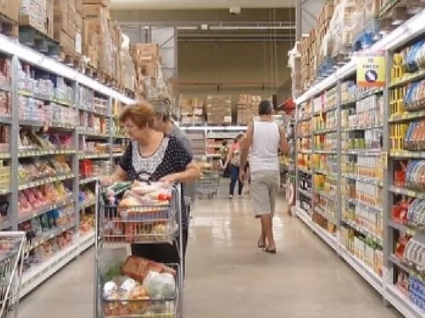 Supermercados em Araçatuba estão em crescimento (Foto: Reprodução/ TV TEM)