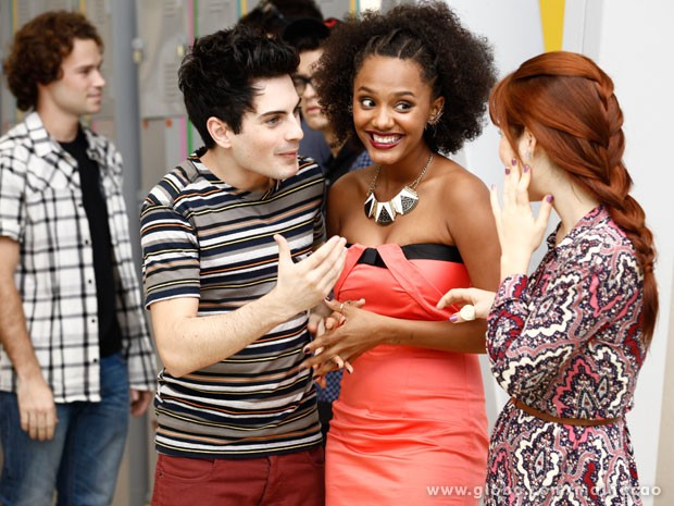 Rafa conta as novidades para Rita e Morgana (Foto: Malhação/ TV Globo)