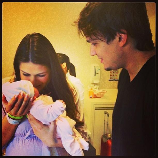 Nathalia Guimarães e Leandro com uma das filhas (Foto: Instagram / Reprodução)