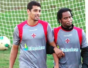 Diego Souza e Carlos Alberto no treino do Vasco (Foto: Pedro Kirilos / Ag. O Globo)
