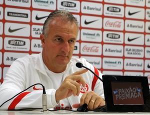 Dorival Júnior confirma time do Inter (Foto: Diego Guichard/GLOBOESPORTE.COM)