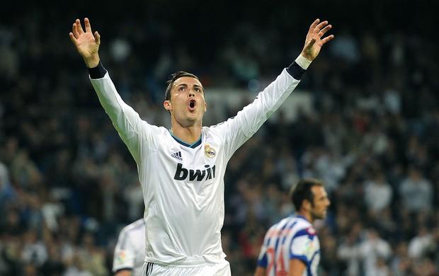 Cristiano Ronaldo comemora gol do Real Madrid contra o La Coruña (Foto: AFP)