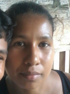 Claudinéia da Conceição Ramos foi morta com ao menos 17 facadas no interior do Acre  (Foto: Arquivo da família)