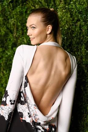 Karlie Kloss em prêmio de moda em Nova York, nos Estados Unidos (Foto: Dimitrios Kambouris/ Getty Images/ AFP)