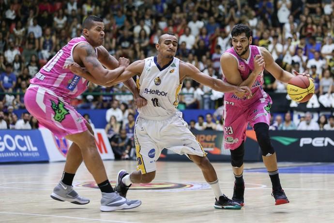 Mogi das Cruzes x Bauru Basket, final, Paulista, Léo Meindl, Hettsheimeir (Foto: Caio Casagrande / Bauru Basket)