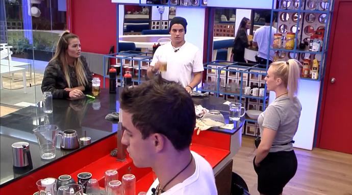 Antônio e Manoel na cozinha do Gran Hermano (Foto: Foto: (TeleCinco))