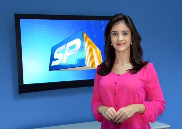 Carla Moreno, apresentadora do SPTV 1ª Edição, da TV Fronteira (Foto: Marketing / TV Fronteira)