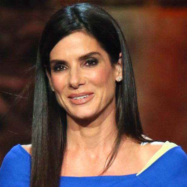 O processo de adoção por parte de Sandra Bullock começou em abril de 2010 e acabou coincidindo com um traumático divórcio. Mesmo assim, ela foi em frente e é mãe. (Foto: Getty Images)