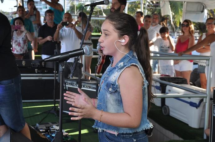Pérola emocionou o público com a música Memory (Foto: Roger Santmor/RPC)