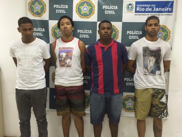 Presos em operação contra roubo de cargas foram levados para a Cidade da Polícia (Foto: Mariana Cardoso/G1)