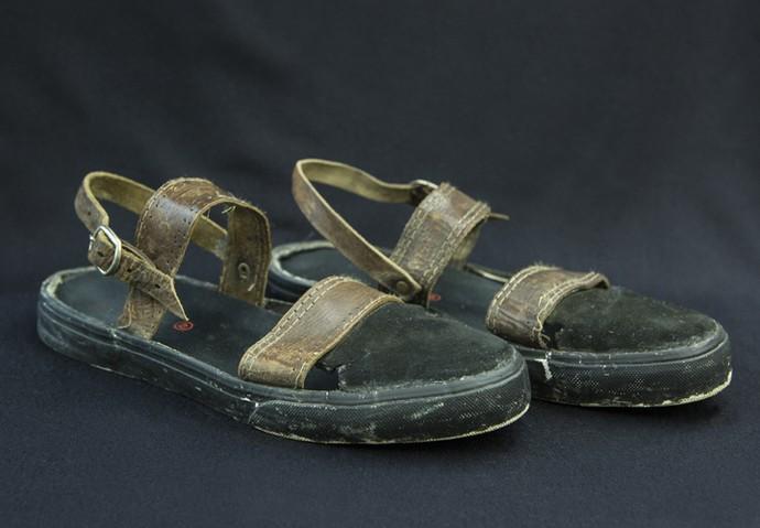 Peças velhas se tornam um novo calçado (Foto: Felipe Monteiro/ Gshow)
