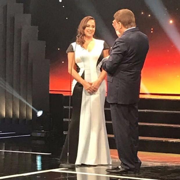 Silvia Abravanel e Silvio Santos no palco do Troféu Imprensa (Foto: Reprodução/Instagram)