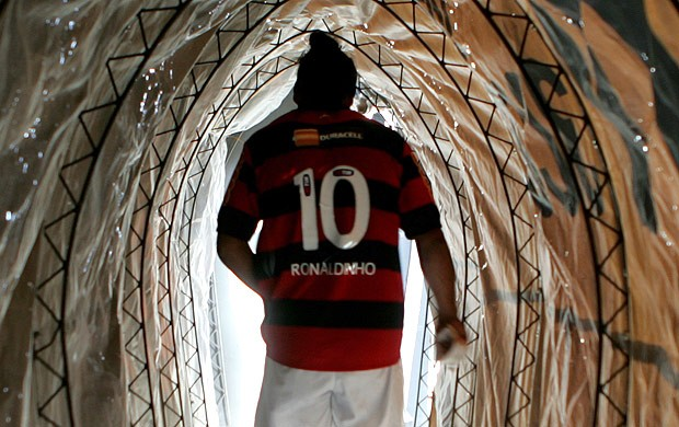 Ronaldinho túnel Flamengo Grêmio (Foto: Ag. Estado)