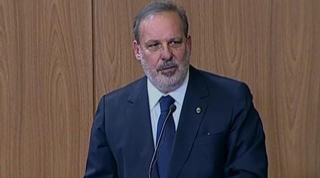 Armando Monteiro assume o Ministério do Desenvolvimento, Indústria e Comércio Exterior