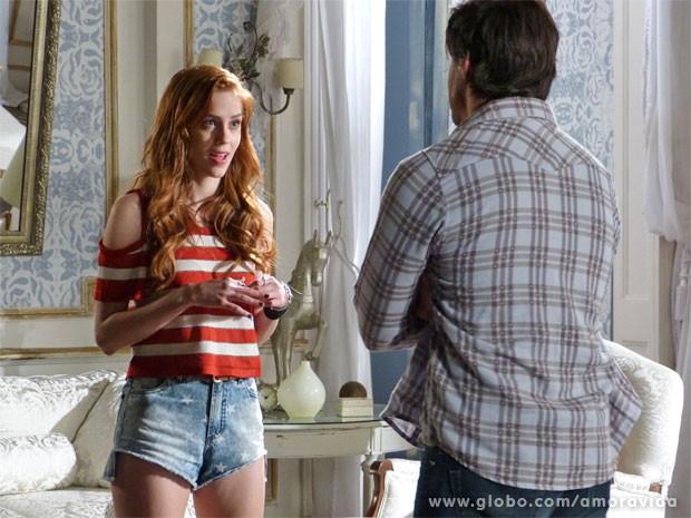 Natasha começa a se insinuar - será que faz parte da vingança dela? (Foto: Amor à Vida/TV Globo)