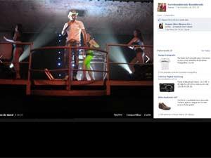 Apresentação da banda Forró Konsiderado; ao fundo bailarinas (Foto: Reprodução / Arquivo da banda)