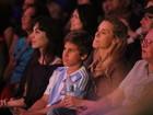 Carolina Dieckmann e Priscila Fantin vão a circo no Rio