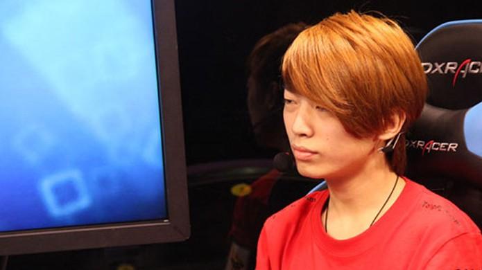 """Zhang """"Mu"""" Pan entrou no top dos jogadores mais bem pagos de assalto com o time Newbee (Foto: Reprodução/Chinese Reshuffle)"""