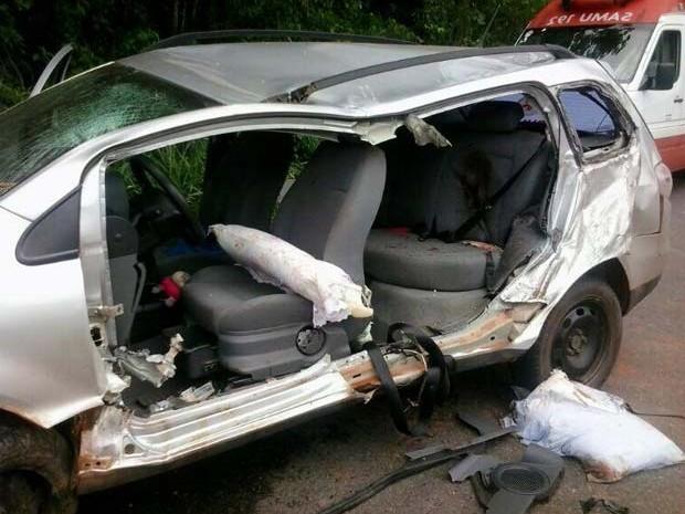 Acidente BR-040  (Foto: Polícia Rodoviária Federal/Divulgação)