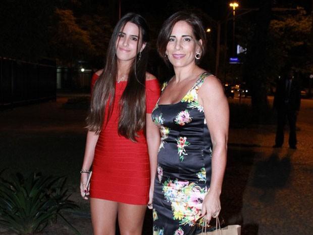 Glória Pires e a filha Ana Moraes em festa na Zona Sul do Rio (Foto: Thyago Andrade/ Brazil News)