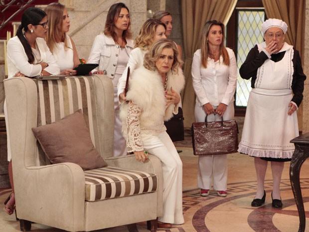 Charlô e sua equipe ficam chocadas com o resultado (Foto: Guerra dos Sexos / TV Globo)