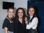 Ana Carolina e Leticia Lima posam juntas em bastidor de show da cantora