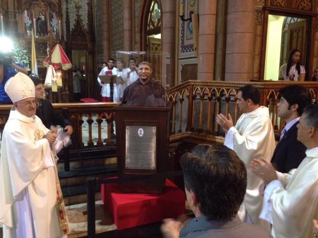 Imagem ficará próximo ao altar da Basílica de Santo Antônio, no Embaré, em Santos (Foto: Paulo Miamoto / Arquivo Pessoal)