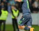 Hamsik brilha contra ex-clube, e  Napoli assume liderança do grupo I