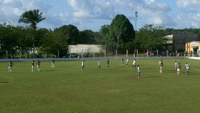 Na fronteira: Campeonato Oiapoquense chega às quartas de final, no Amapá (Foto: Adolfo Silva/Divulgação)