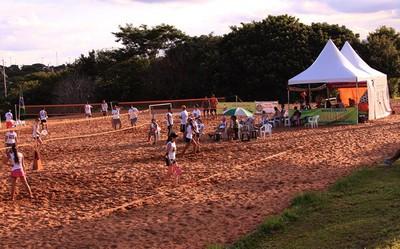 Quadras de beach tennis do Parque das Nações Indígenas, em Campo Grande (Foto: Divulgação/LBTCGMS)