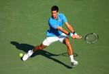 """Com """"pneu"""", Djokovic vence belga e avança às oitavas de final em Miami"""