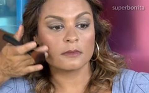 Maquiagem para pele morena: como fazer look para o dia e a noite