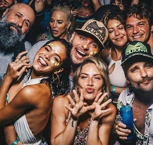 Bruna Marquezine com Giovanna Ewbank e Bruno Gagliasso em Noronha (Foto: Reprodução/Instagram)