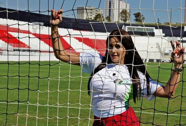 Deh Alves, Musa de Portugal (Foto: Divulgação)
